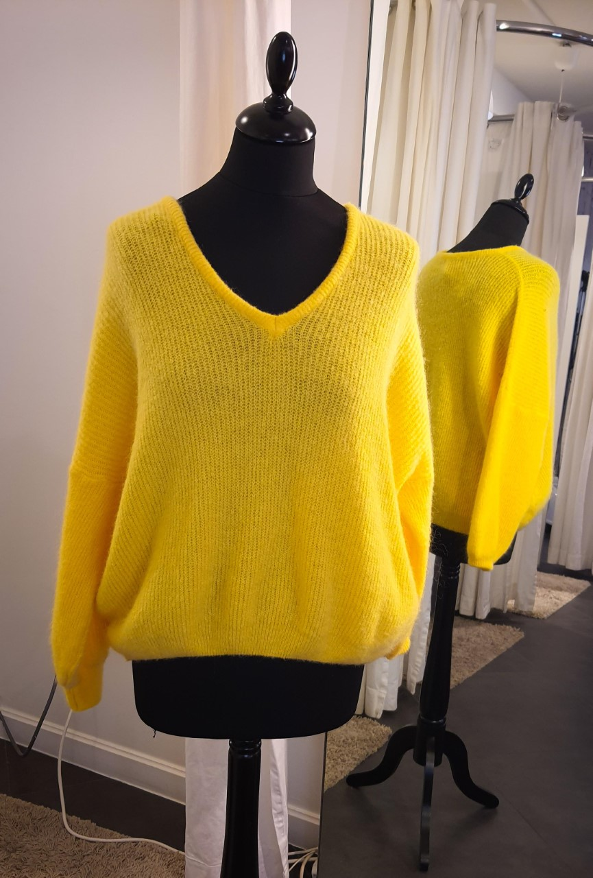 Knit Pullover Bright Yellow