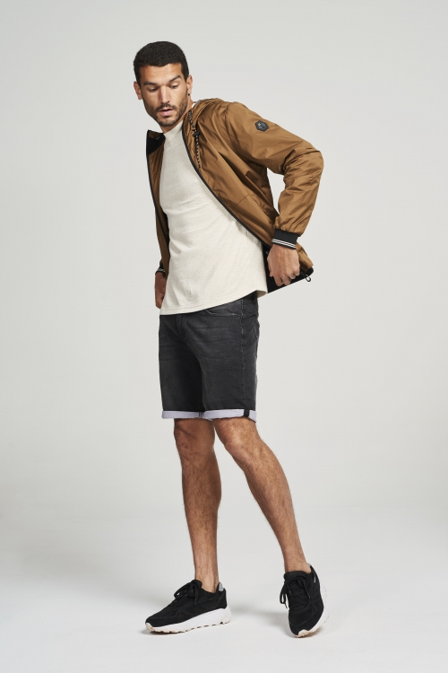 Jacket short fit hooded