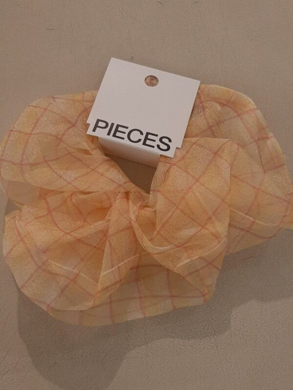 pclanna oversized scrunchie almond