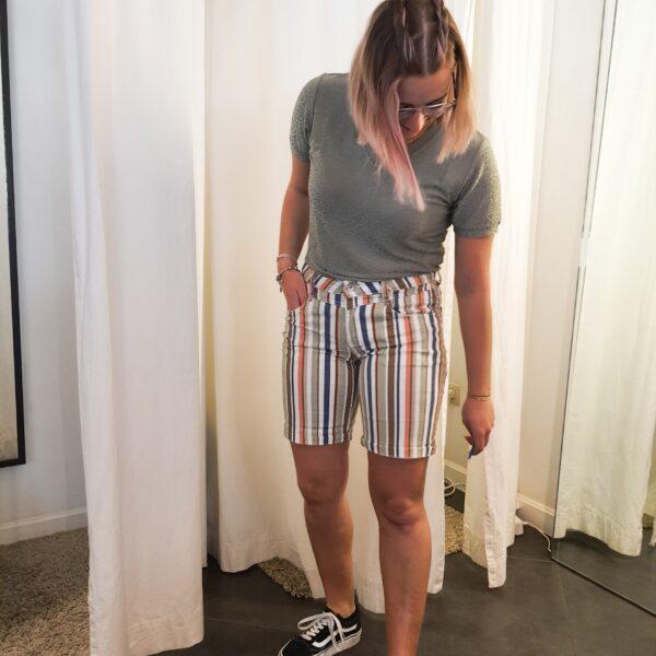 Relax short multi stripe