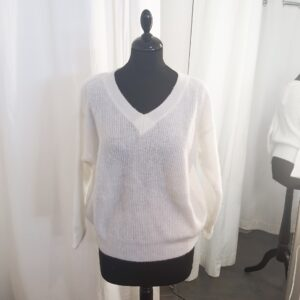 Knit V-neck White