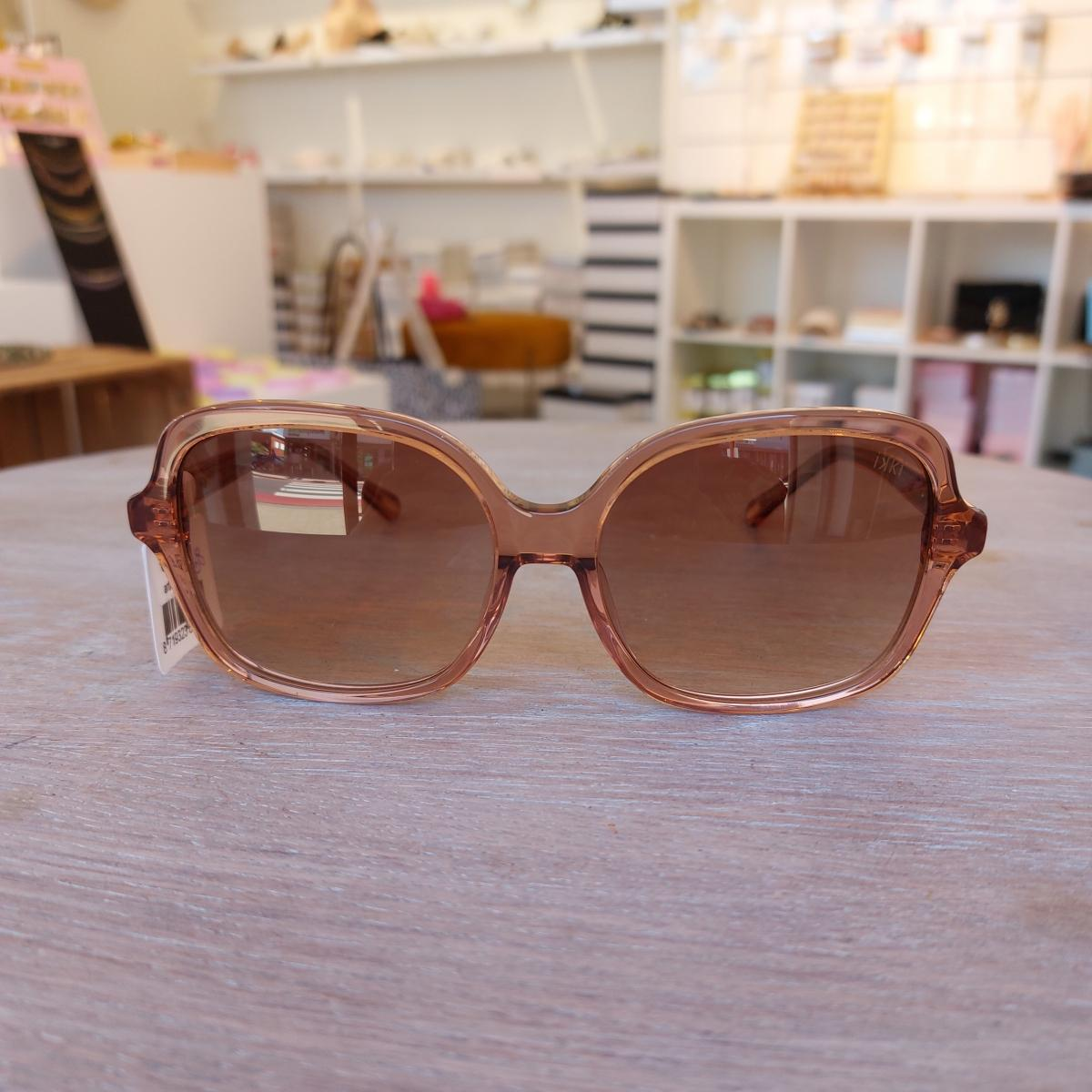 IKKI Zonnebril Transparent Pink