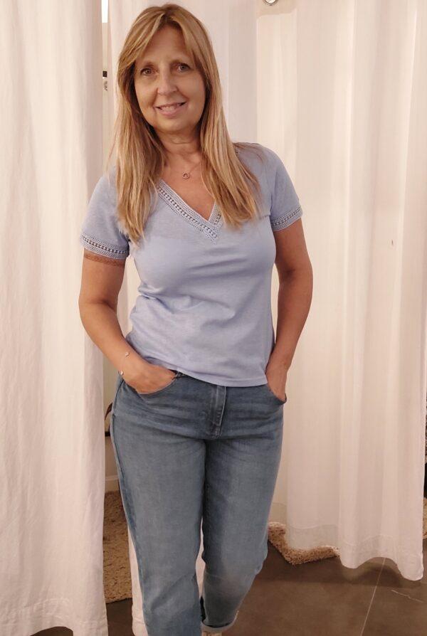 T shirt lavender