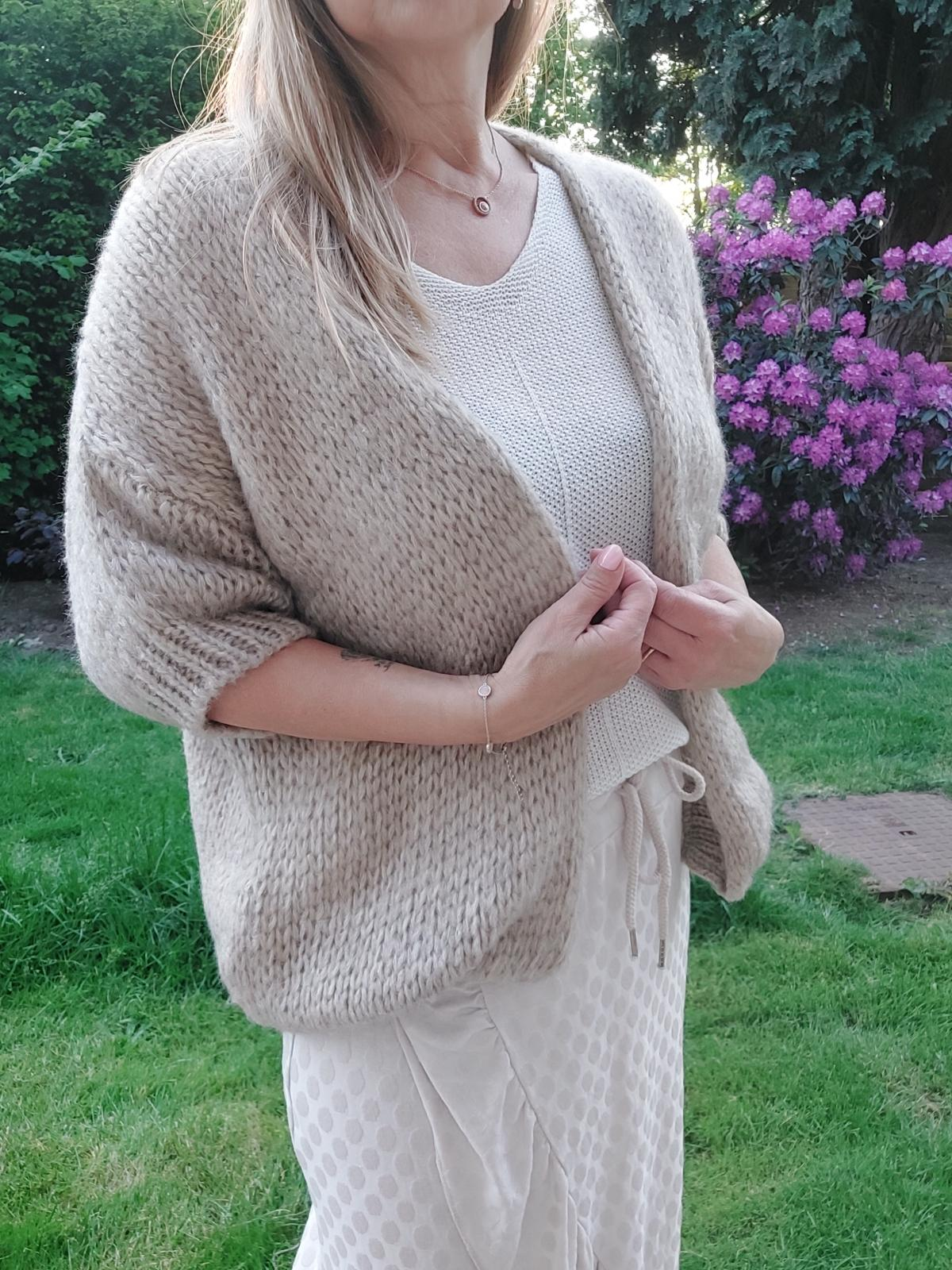 Au3 knit