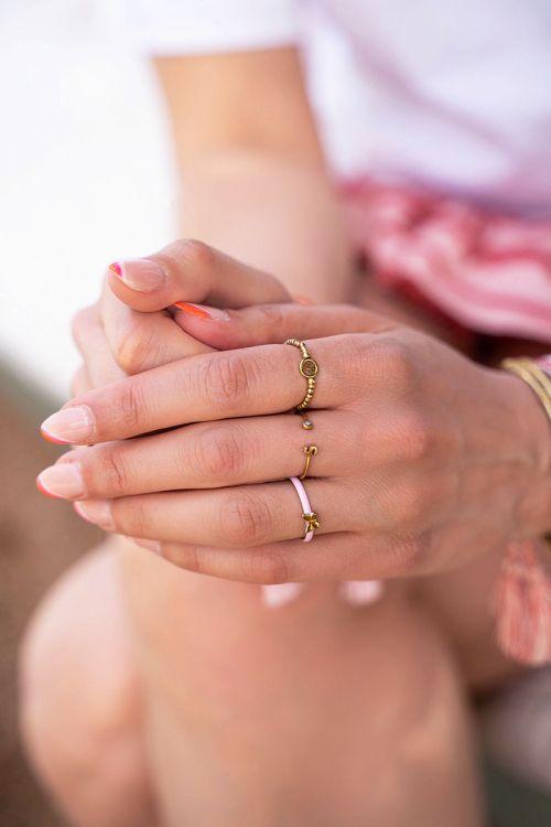 Initial ring met steentje GOUD