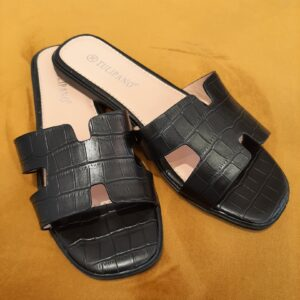 slippers black