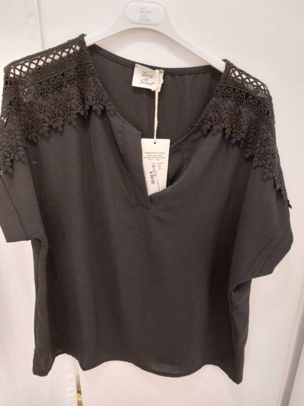 Top shoulder lace