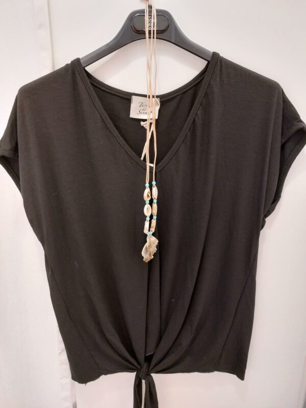 T shirt necklace TU